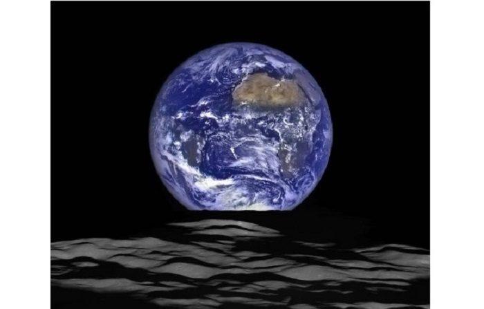 Vista única de la Tierra desde la Luna. NASA/Goddard/Arizona State University.