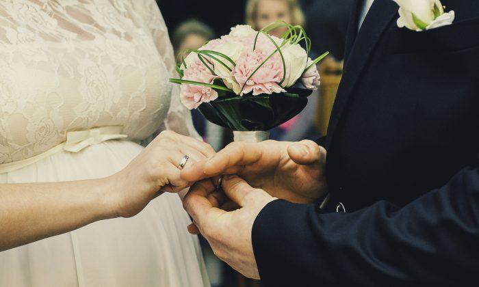 La liberación sexual resultó en un debilitamiento del matrimonio y de los vínculos familiares, ¿a qué costo para la sociedad? (Tookapic/Pixabay)