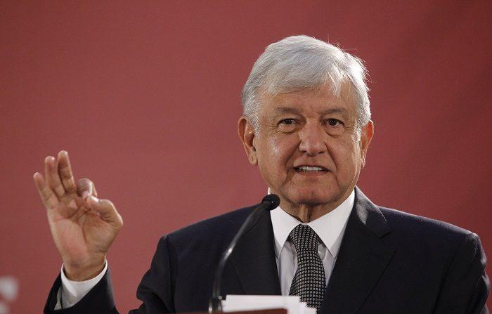 El presidente de México, Andrés Manuel López Obrador, anunció hoy que presentará en los próximos días un plan contra el robo de combustible, un problema al alza en el país latinoamericano. EFE/Sáshenka Gutiérrez