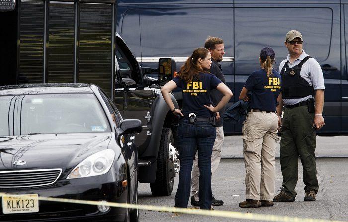 Dos personas que se encontraban cenando en la terraza del icónico restaurante neoyorquino Peter Luger Steak House resultaron heridas en la noche del jueves después de que otro de los comensales, que estaba discutiendo con un familiar, sacara una pistola y comenzara a disparar. EFE/JUSTIN LANE/Archivo