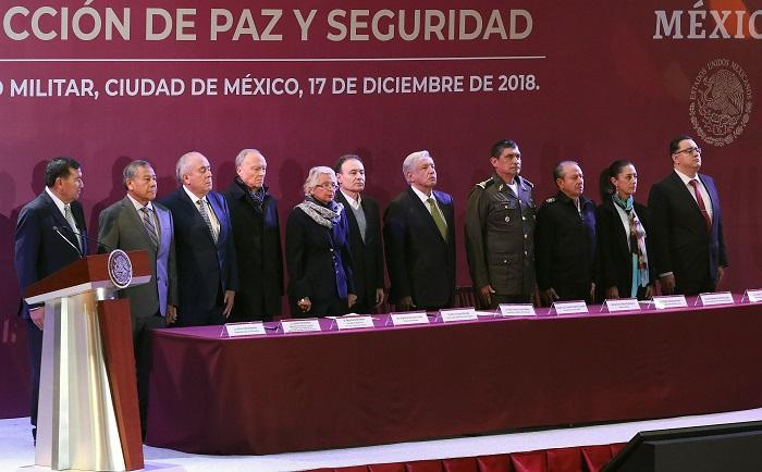 El presidente de México, Andrés Manuel López Obrador, reivindicó hoy la continuación del papel de las Fuerzas Armadas en tareas de seguridad pública a través de la Guardia Nacional, cuerpo que el mandatario ha propuesto crear para atacar el problema de la violencia y la inseguridad en el país. EFE/ Presidencia de México SOLO USO EDITORIAL