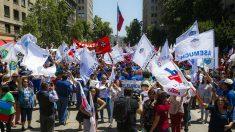 Chile: Estibadores de Valparaíso se enfrentan con la Policía