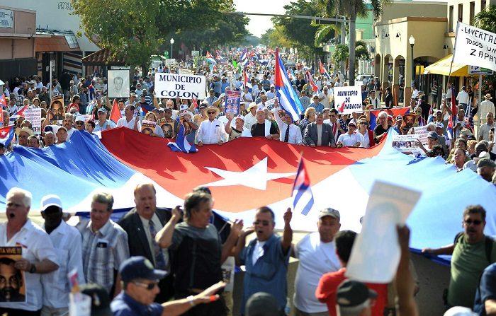 """Una campaña denominada Ni1+ se inició por redes sociales con el mensaje de """"no permitir un año más de dictadura en la isla de Cuba"""", en coincidencia con el 60 aniversario del triunfo de la revolución. EFE/Gastón de Cárdenas"""