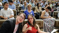 Joven con Sindrome de Down se convierte en la primera modelo de moda, su vida inspira al mundo