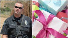 """Oficiales de policía compran regalos de Navidad para una familia, cuando su hijo """"desaparece"""""""