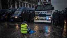"""Ministros italianos apoyan a """"chalecos amarillos"""" y critican a Macron por estar """"contra su pueblo"""""""