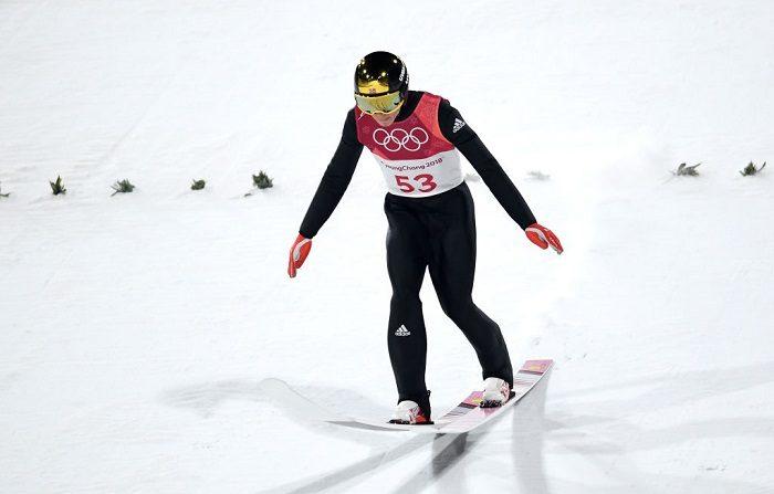 El noruego Johann Andre Forfang salta durante la Clasificación Individual de esquí en la colina grande masculina en el Alpensia Ski Jumping Center (Foto de Matthias Hangst/Getty Images)