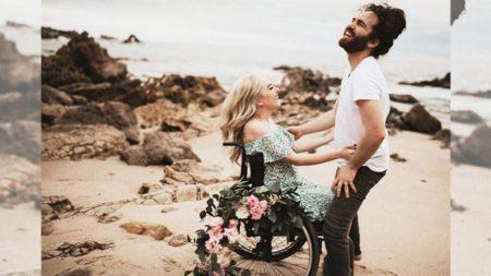 Mujer discapacitada ya no quería enamorarse pero el amor la sorprende como en un cuento de hadas