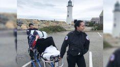 Los paramédicos de una casa de reposo cumplen el inusual sueño de una anciana moribunda