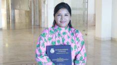 Primera enfermera rarámuri en México busca vencer las barreras de una