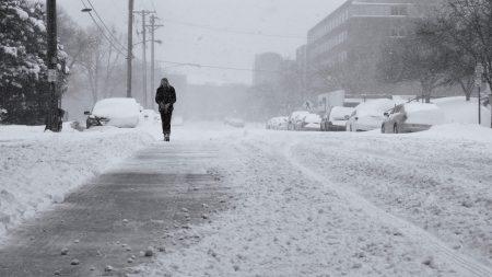 Poderosa tormenta de hielo y nieve azota sureste de Estados Unidos dejando al menos 4 muertos