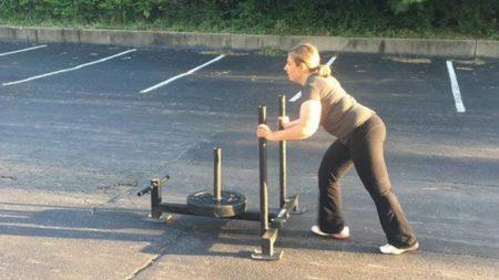 Mira los increíbles resultados de esta mujer con parálisis cerebral que comenzó a hacer CrossFit