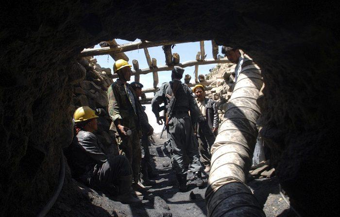Explosión en una mina de carbón deja 11 mineros muertos en el centro de Colombia