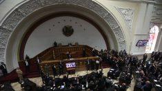 Asamblea Nacional deVenezuela declara oficialmente usurpador a Maduro y anula todos sus actos
