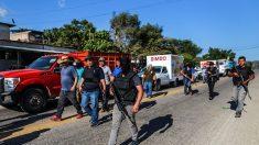 Bloquean carretera Acapulco-México por acciones de policías comunitarios