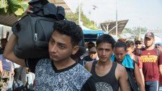 Más de 2.000 migrantes de la caravana cruzan México sin solicitar asilo