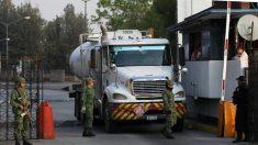 Gobierno mexicano busca 2000 choferes para transportar gasolina de inmediato