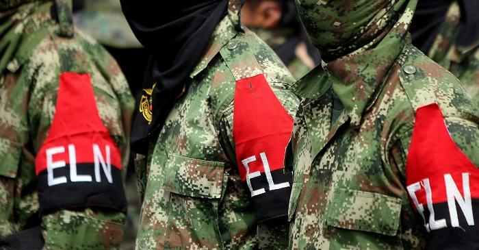 Un atacante muerto y dos transeúntes venezolanos heridos dejó un atentado de la guerrilla del ELN contra un puesto policial en Saravena, en el este de Colombia, mientras que en Anorí (noroeste), hubo otra incursión sin consecuencias, informaron hoy fuentes de la institución. EFE/Christian Escobar Mora