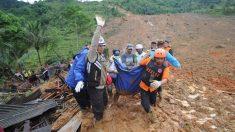 Al menos 9 muertos y 34 desaparecidos en corrimiento de tierra en Indonesia