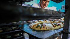 Récord Guinness en México al mayor roscón de reyes del mundo de 2 kilómetros