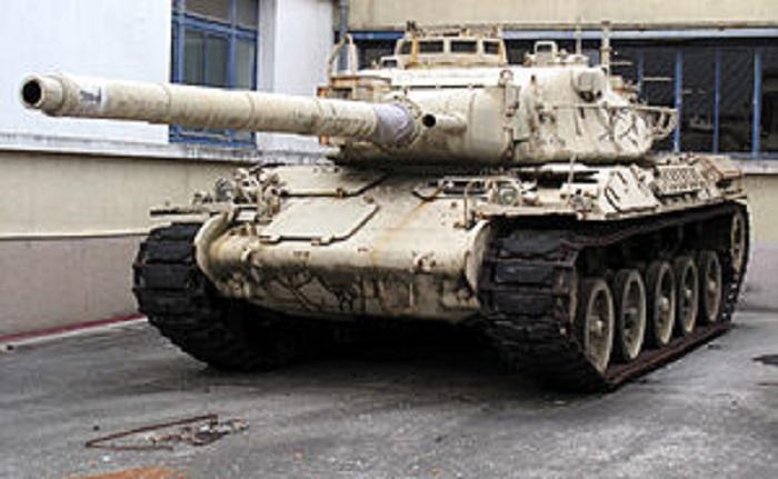 Prototipo de AMX-30C2 con una pistola de tanque rayado 105. CCO wikipedia
