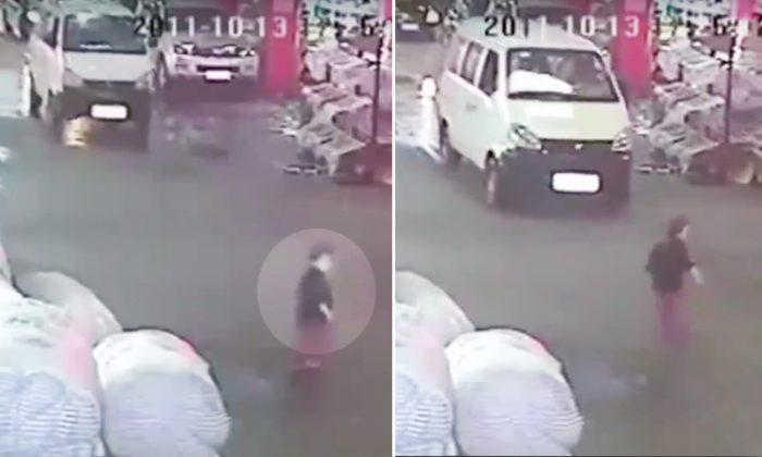 En los últimos años, las cámaras de circuito cerrado de televisión en toda China han capturado a automovilistas que acababan de atropellar accidentalmente a un peatón, y que luego deliberadamente daban marcha atrás para matar a la persona lesionada. (China sin censura)