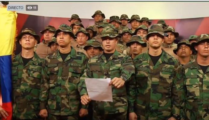En un mensaje transmitido en vivo por el canal UCI Noticias de Perú, el Teniente José Hidalgo de la Fuerzas Armadas de Venezuela invocó la constitución de la República Bolivariana para transmitir un mensaje a la comunidad internacional el 16 de enero de 2019. (Captura de vídeo)