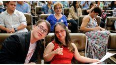 Pareja con síndrome de Down, a pesar de las críticas, lleva más de 25 años de amor y en matrimonio