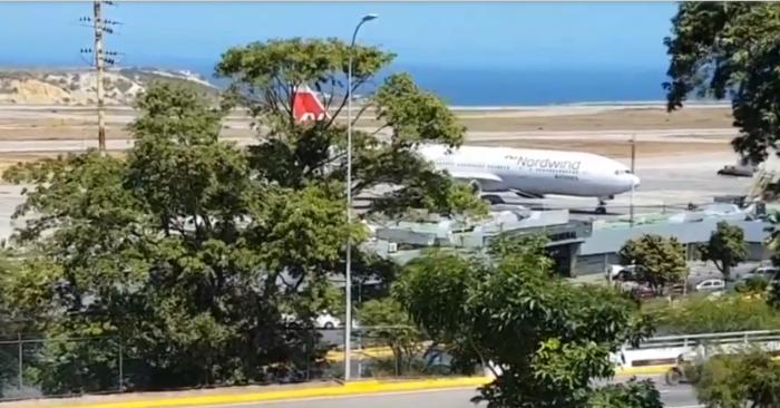 Parlamento de Venezuela denuncia que avión ruso que llegó a Caracas busca sacar 20 toneladas de oro