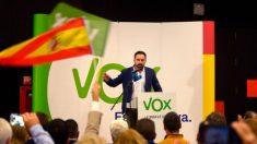 Vox desmiente vínculo con Irán mientras persiste en enfrentar a