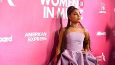 """Ariana Grande intentó arreglar su tatuaje en japonés tras ola de """"trolleos""""… pero lo empeoró"""