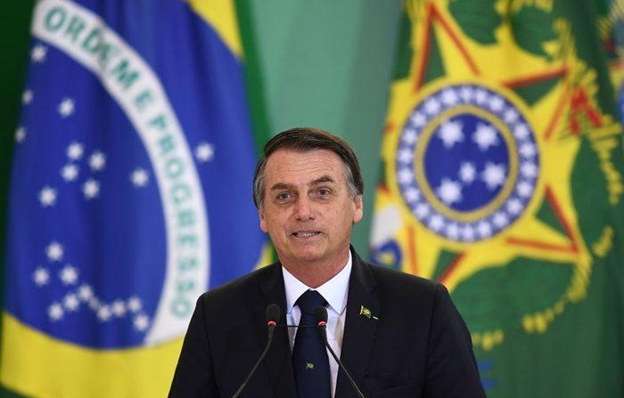 El presidente de Brasil, Jair Bolsonaro, pronuncia un discurso en el Palacio Planalto de Brasilia, el 7 de enero de 2019. (Crédito de EVARISTO SA/AFP/Getty Images)