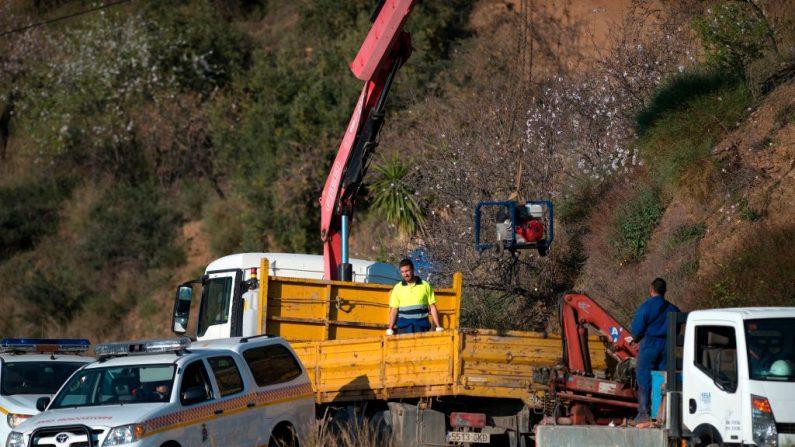 Los trabajadores de rescate continúan sus esfuerzos para encontrar a Julen, en el sur de España, el 16 de enero de 2019. (Foto de JORGE GUERRERO/AFP/Getty Images)