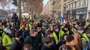 Masiva décima protesta de los Chalecos Amarillos en Francia