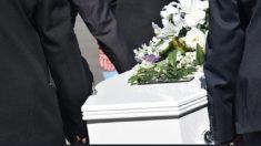 Tribunal de Turquía ordena pagar millonaria cifra a mujer por no asistir al funeral de su suegro