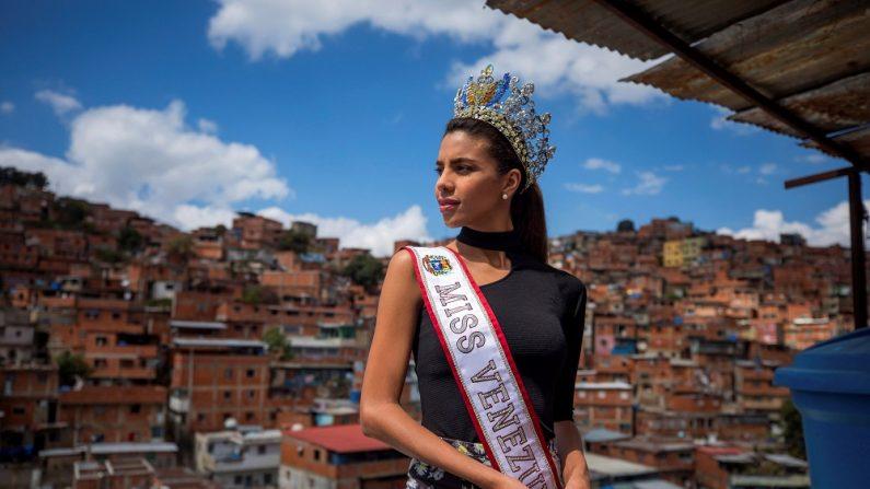 La actual Miss Venezuela, Isabella Rodríguez, durante una entrevista con Efe, en Caracas, Venezuela. (EFE)
