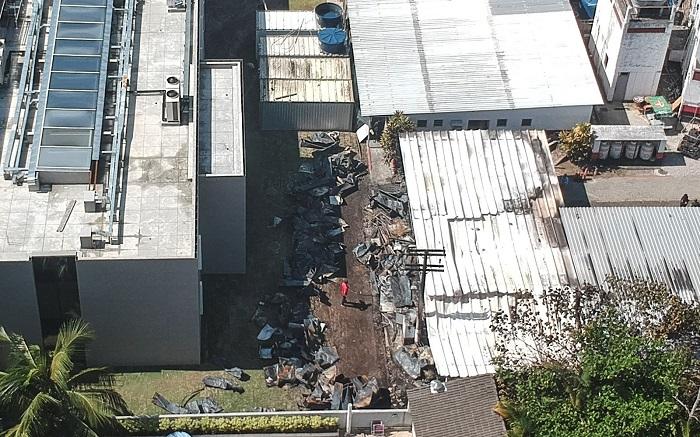 Vista aérea desde un dron que muestra los estragos del incendio registrado en la madrugada de este viernes, en el centro de entrenamiento del club de fútbol Flamengo, en Río de Janeiro (Brasil). EFE/ Antonio Lacerda