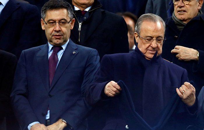 El presidente del FC Barcelona Josep Maria Bartomeu (i) y Florentino Pérez, presidente del Real Madrid, durante el partido de ida de las semifinales de la Copa del Rey que FC Barcelona y Real Madrid juegan esta noche en el Camp Nou, en Barcelona. EFE/Enric Fontcuberta.