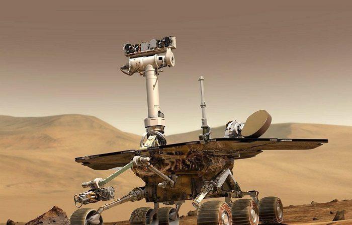 Viajó desde la Tierra a Marte en 2004 para recorrer la superficie del planeta durante 90 días, pero su misión se alargó de forma imprevista y el Opportunity envió durante 15 años sus descubrimientos, como la supuesta presencia de agua, hasta que hoy la NASA dio finalmente por perdido al robot espacial.. EPA/NASA. UK AND IRELAND OUT