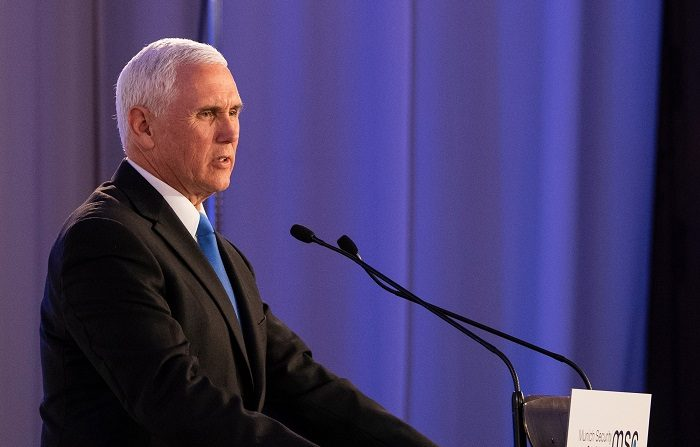 Foto distribuida por la Conferencia de Seguridad de Munich (MSC) que muestra a Mike Pence, Vicepresidente de los Estados Unidos de América, que se dirige a los participantes de la Conferencia de Seguridad de Munich, en Munich. EFE/MSC/Mueller