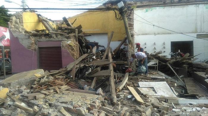 Fotografía de los daños tras el fuerte sismo de magnitud 8.2 en la escala de Richter que sacudió estado de Oaxaca (México).  EFE/Pedro Rasgado