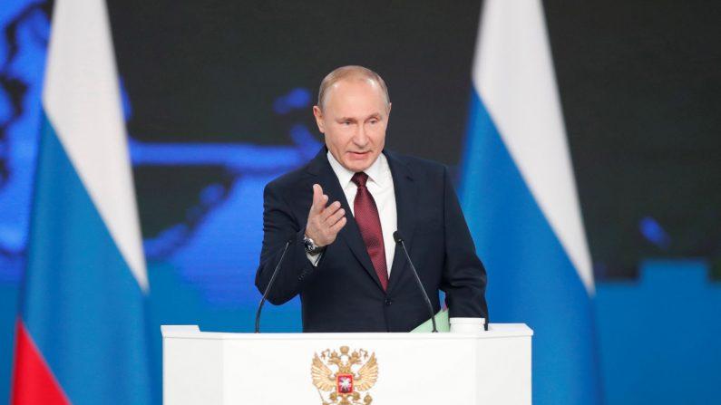 El presidente ruso, Vladímir Putin, amenazó hoy a Estados Unidos con dirigir su armamento nuclear contra el territorio norteamericano, como durante la Guerra Fría, si despliega misiles de medio y corto alcance en Europa. EFE
