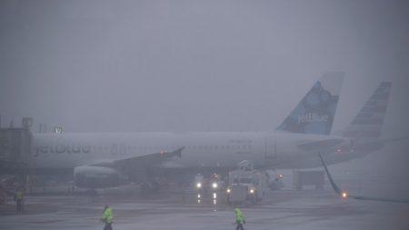 Más de 4.000 vuelos retrasados y 3.000 cancelados por una tormenta en EE.UU.