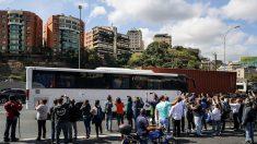 Guaidó parte en caravana hacia la frontera con Colombia para recibir la ayuda humanitaria