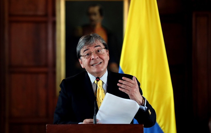 El canciller colombiano, Carlos Holmes Trujillo, habla durante una rueda de prensa en Bogotá (Colombia). EFE/ Mauricio Dueñas Castañeda