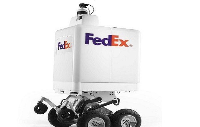 """La compañía de mensajería FedEx presentó este miércoles el """"SameDay Bot"""", un robot diseñado para llevar a cabo entregas de productos a domicilio. EFE/FedEx"""