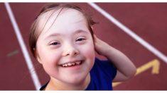 Esta niña con síndrome de Down sufre bullying pero sus amigos dejan todo para defenderla