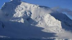 Registran impactante desprendimiento de glaciar en la Antártica: es más grande que Manhattan