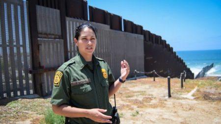 Trump ya comenzó la construcción del muro fronterizo en San Diego, California