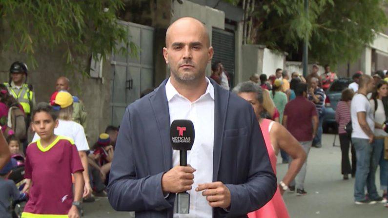 Daniel Garrido, corresponsal de Telemundo en Venezuela secuestrado por unas horas por el Servicio de Inteligencia venezolano. (@TelemundoNews)